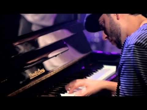 Kany Garcia - Alguien / http://www.spanish-music.org/videos/kany-garcia-alguien-music.php