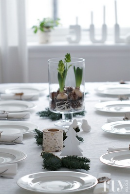 fru fly | christmas table. natural + white paper tree