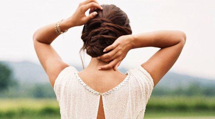 9+1 ιδέες για τον κότσο σας Αν θέλετε να πιάσετε τα μαλλιά σας την ημέρα του γάμου σας, οι επιλογές είναι πολλές.