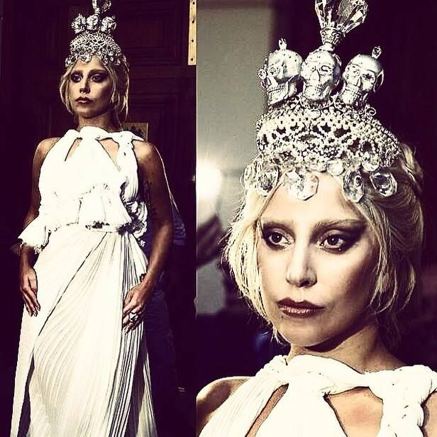 "On Friday 19 of September Lady Gaga appeared outside hotel Grande Bretagne wearing the Kondylatos crown Saturday 20 of September Pericles Kondylatos send flowers at her hotel room and a ""thank you"" note for her. The same day Lady Gaga took a picture of the flowers and & she posted it on all of her social media : ""The crown I wore yesterday was made by a fan, how sweet today they sent me some flowers and a note. What a lovely way to start the day. The pleasure is mine my darling. #LadyGaga"""