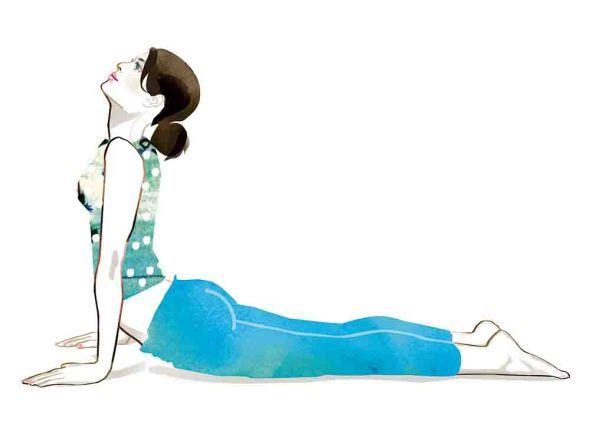 Sonnengruß  6. Drücken Sie den Oberkörper nach vorn. Heben Sie Brust und Schultern nach oben. Die Finger zeigen geradeaus. Die Arme sind leicht gebeugt oder gestreckt.
