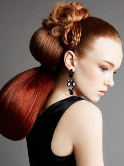 Acconciatura capelli lunghi rossi effetto ombre hair