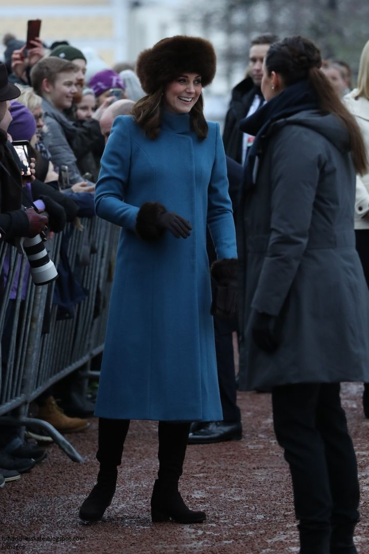 Norway 2018. After lunch, William & Kate met locals gathered outside the Palace.The second leg of the tour officially began when William and Kate landed in Norway atGardermoen Air Force Base, outside Oslo.