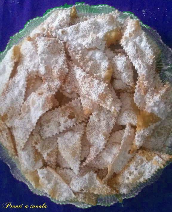 Crostoli triestini (chiacchere di carnevale)