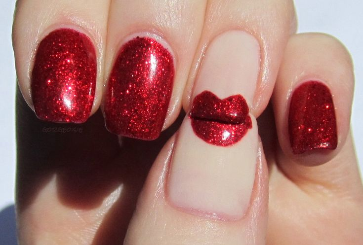 Red 'lip' nails.