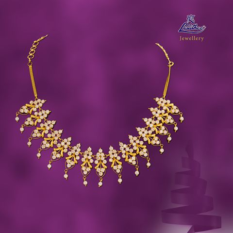 LALITHAA_JEWELLERY Time for good sound with the necklace designed with Christmas bells....#lalithaajewellery.  Buy Bracelets Online Buy Bracelets for Women Diamond Bracelets Designs Diamond Fancy Bracelets Buy Diamond Bracelets for Women Ruby Fancy Bracelets