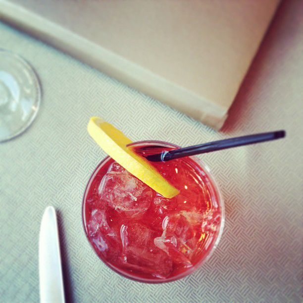 Classic Negroni Cocktail Takes Over Instagram With #negronioclock Sli ...