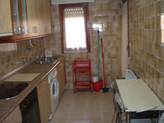 en soria se alquilan habitaciones en piso compartido  en soria se alquilan  habitaciones  en piso compartido par ..  http://soria-city.evisos.es/en-soria-se-alquila-piso-para-curso-1415-id-565297