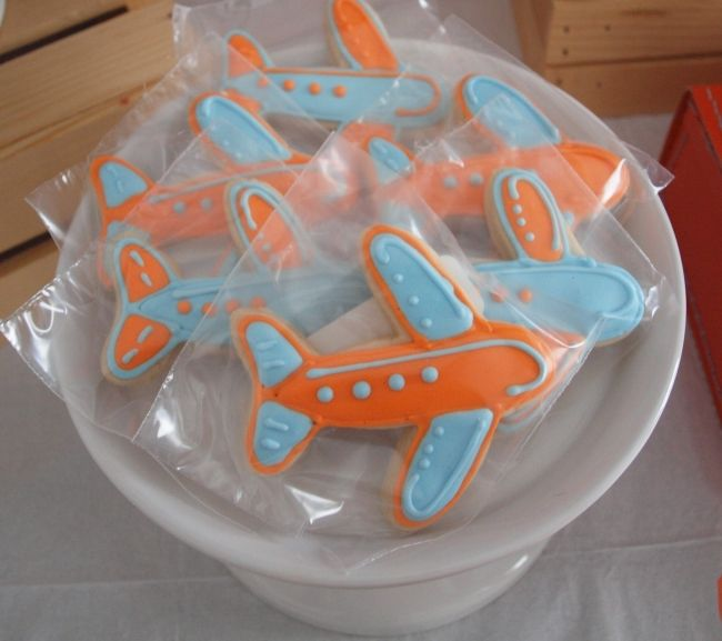 boy's plane themed birthday cookies www.spaceshipsandlaserbeams.com
