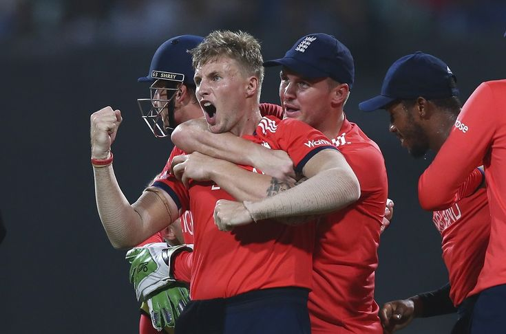 Joe Root picked up two wickets in three balls, including Chris Gayle, England v West Indies, World T20, final, Kolkata, April 3, 2016