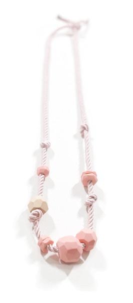dani m vs kuwaii necklace