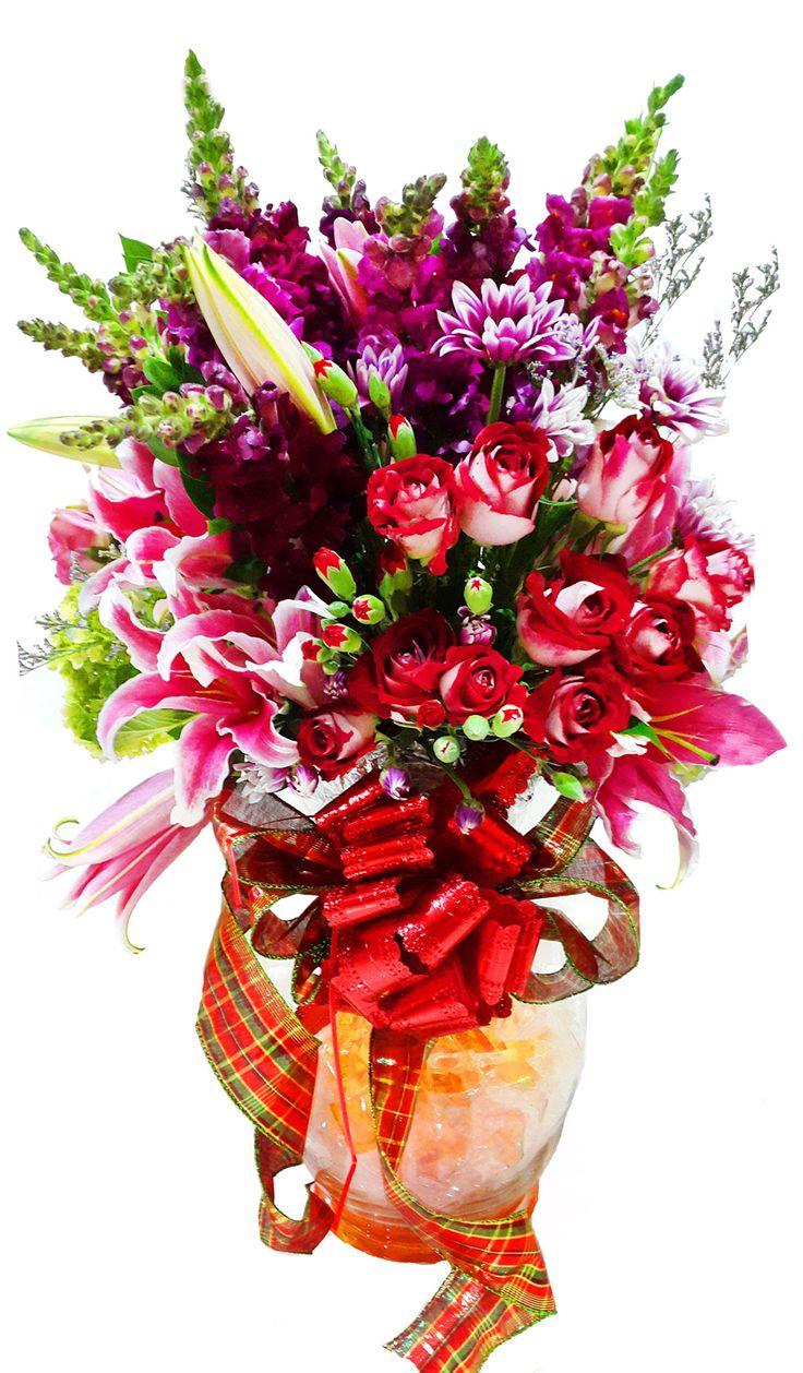 Vase Bouquet for Birthday www.Flowerforsoul.com Info@flowerforsoul.com Telp : 0812 7100 6970 Pin BB : 21BB62AB