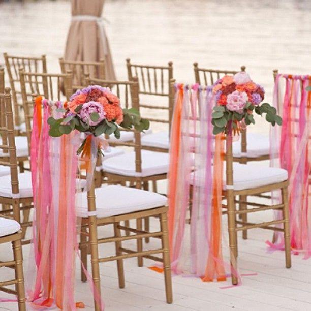 Marit geeft je een Last Minute bruiloft actielijstje. #1 Maak enveloppen klaar met fooi. Check alle tips in de blog!  Shutterstock