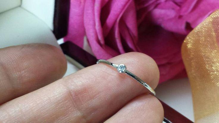 Super dunne platinum diamond ring optionele bruiloft spacer band stapelen ringen belofte 18kt roze geel wit birthstone palladium mager slank door FormonteJewellery op Etsy https://www.etsy.com/nl/listing/468127358/super-dunne-platinum-diamond-ring