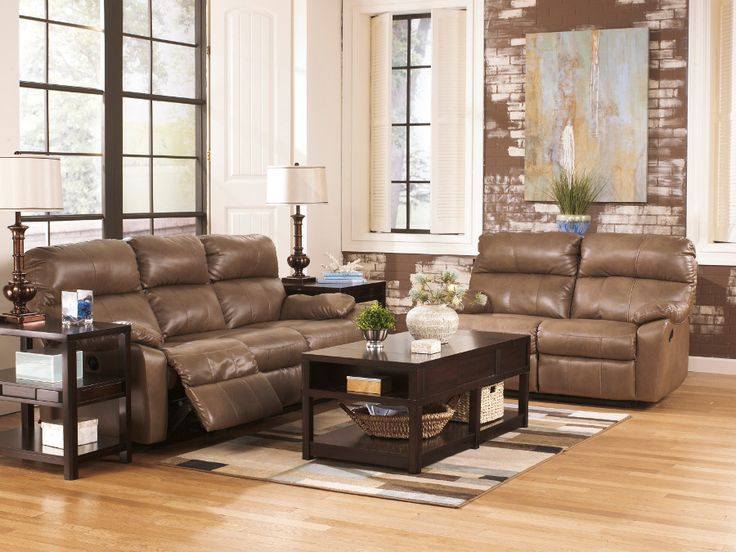 Beautiful leather sofa set with desk lamp in trasitional furniture furnishing style classic