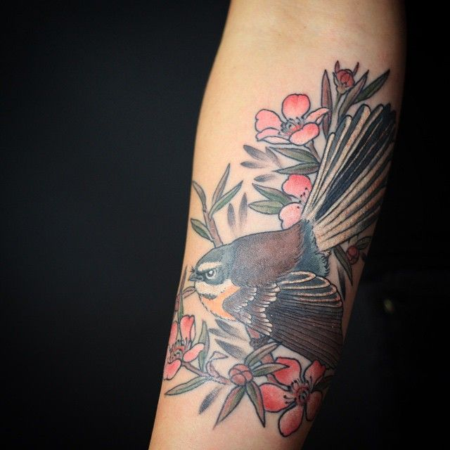My kiwiana tattoo of a fantail with manuka flowers on @hannah_hardware yesterday. Really enjoyed doing this, thanks x @goodtimestattoo