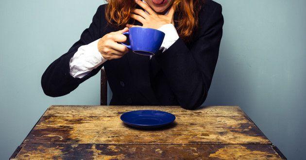 Primeiros socorros: Como acudir uma pessoa engasgada