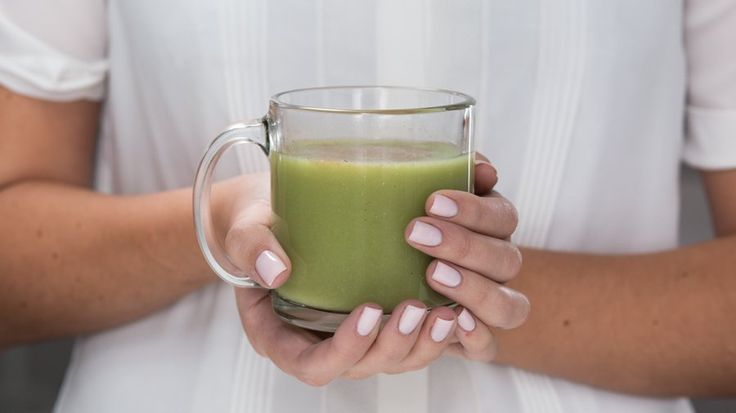 You don't need to drop $5 a pop for a matcha latte at your local cafe; you can make your own at home.