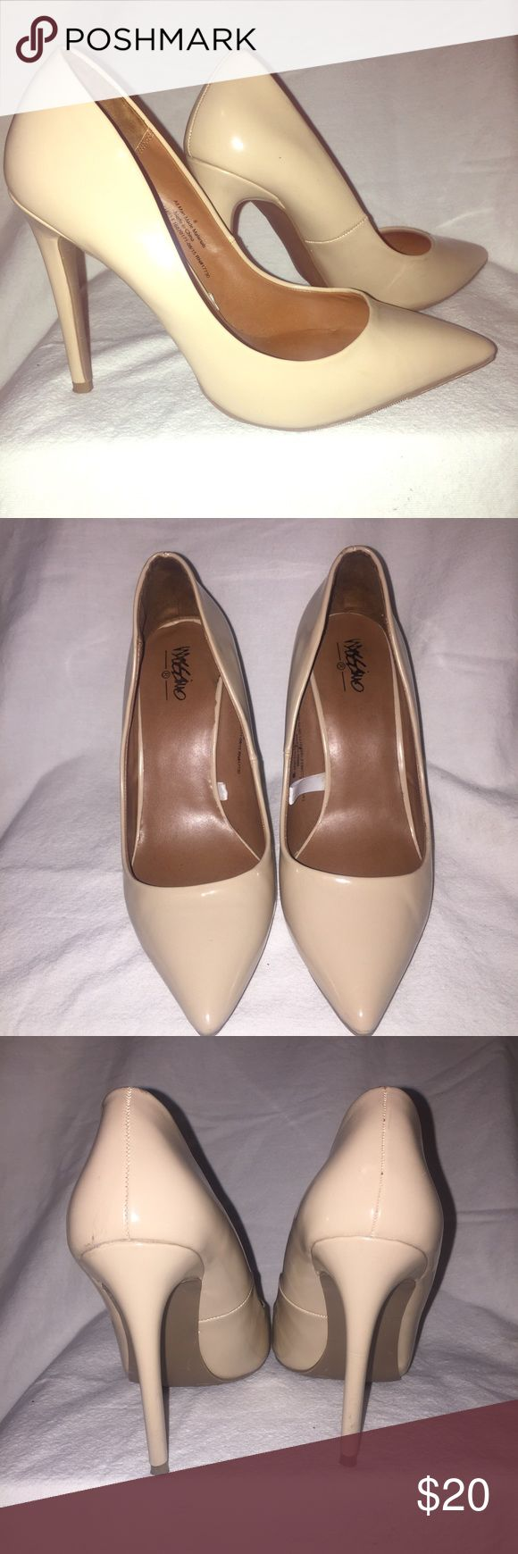 "Mossimo Classic Nude Pump Size 8 Preowned and in great condition. Worn only twice. Patent leather look. 4"" heel. Women's size 8. Mossimo Supply Co Shoes Heels"