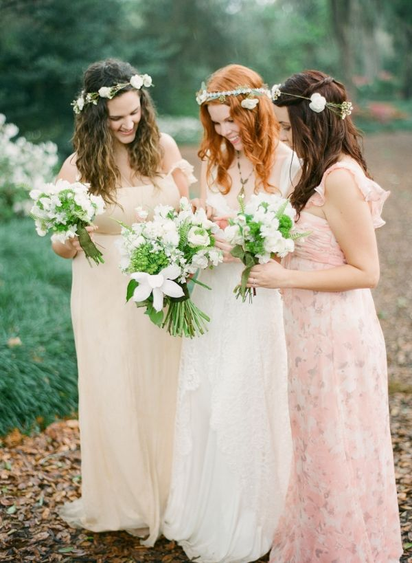 Boho wedding dress and bridesmaid dresses #bohoweddings #folkweddings