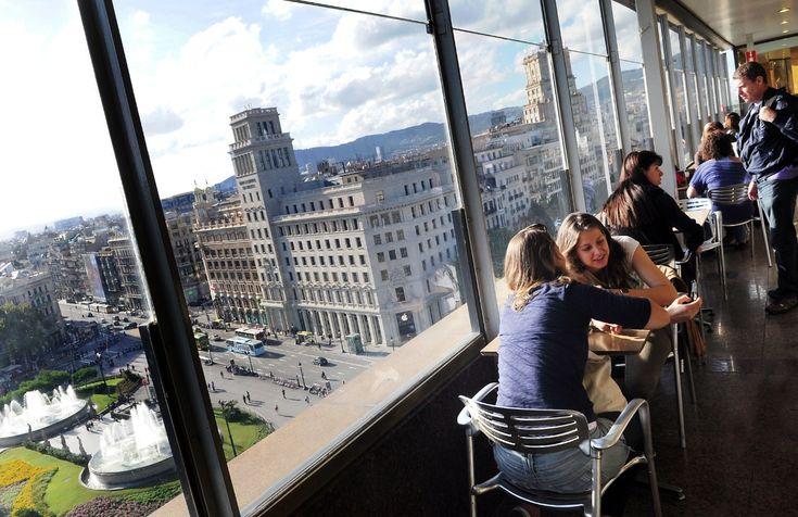 Des d'aquests bars, restaurants i cafès, la panoràmica és tant singular que justifica la visita
