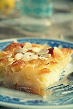 ΣυνταγήΛεμονόπιτα Σιροπιαστή - Συνταγές μαγειρικής , συνταγές με γλυκά και εύκολες συνταγές από το Funky Cook