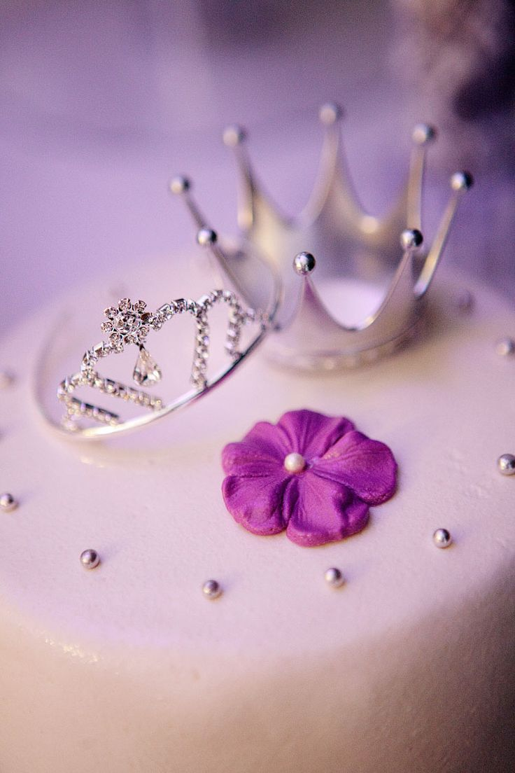 72 purple wedding cake = cute cake toppers, prince & princess or king & queen crowns
