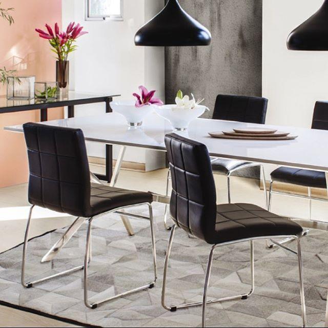 El negro no pasa de #moda! Ven a nuestras tiendas y conoce nuestra silla #hot disponible en color #blanco y #negro. #Ambientes para la vida, #MueblesSur