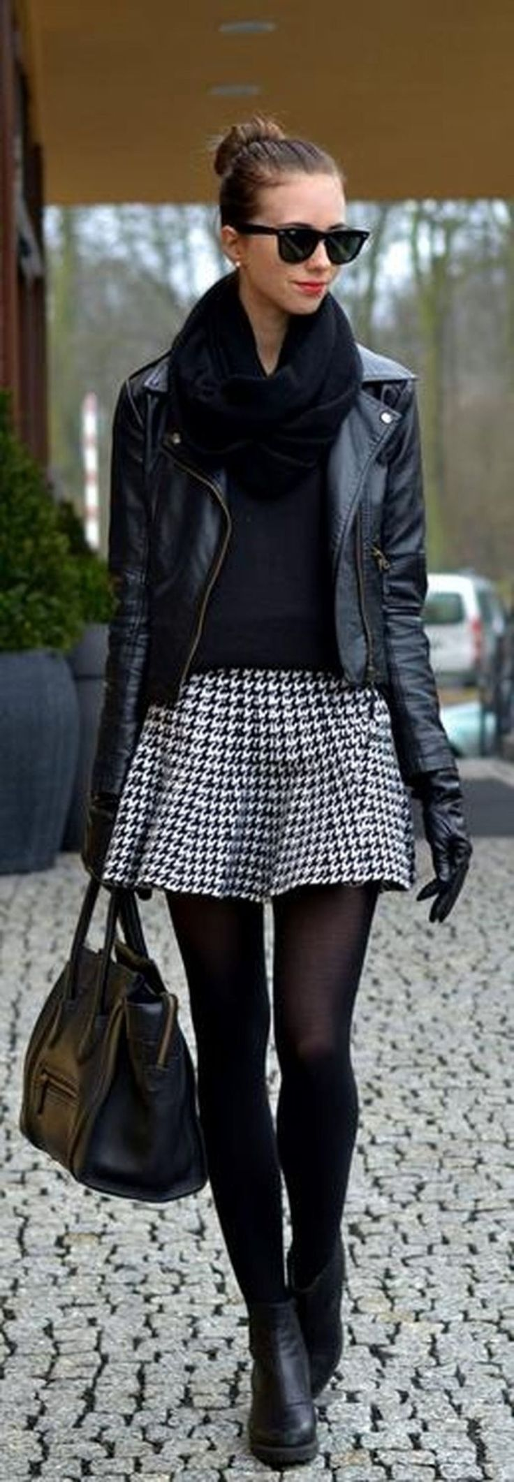 Nice 47 Sexy Women Winter Outfits Ideas To Makes You Stand Out. More at http://aksahinjewelry.com/2018/01/13/47-sexy-women-winter-outfits-ideas-makes-stand/