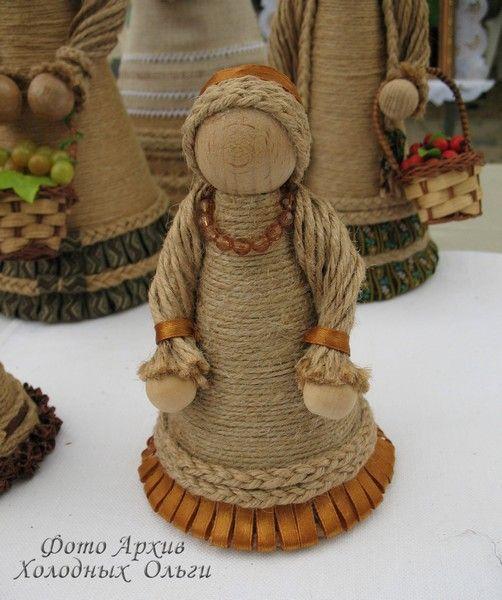 Народная кукла из джута