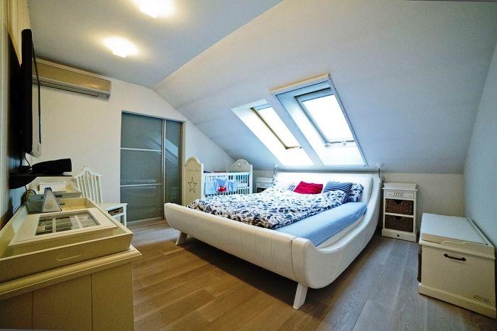 спальня, четырехкомнатная квартира на продажу, район Ружинов, Братислава, Словакия.