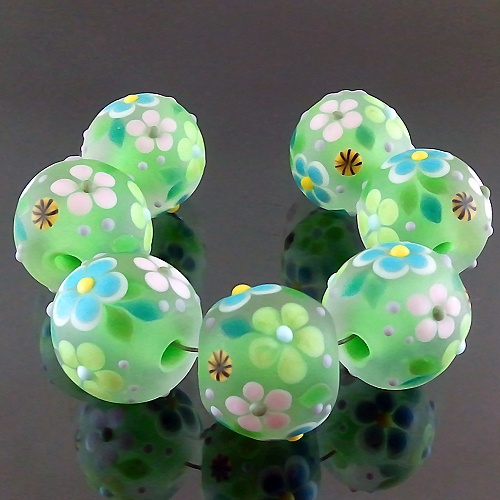 PIKALDA=handmade lampwork 7 glass beads flower blossom garden=FRESH SPRING=SRA