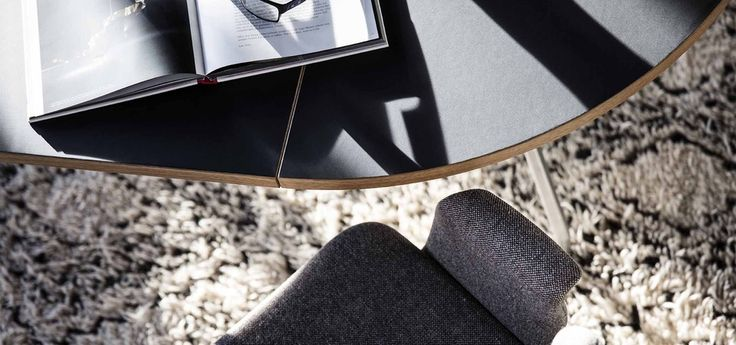 Dining table and dining chair designed by Bent Hansen Studio. We call them Primum Table and Primum Chair.  #diningroom #benthansen #benthansendesign #spisestuestole #spisebord #boliginspiration