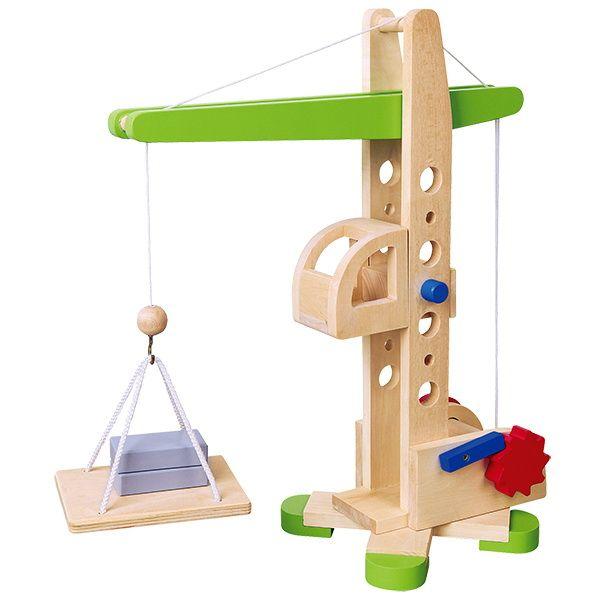 Hijskraan  Bij deze geheel houten hijskraan is zelfs de machinistenkooi is in hoogte verstelbaar!  Hoogte 39cm.