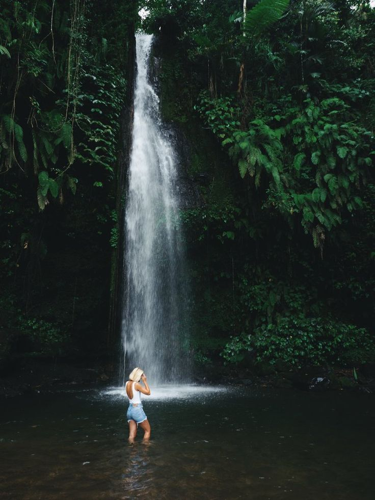 Hidden waterfalls on Lombok!