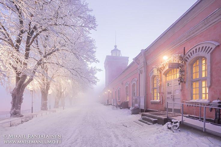 #Suomenlinna last Friday #seasmoke #hoarfrost #Helsinki #Finland #visithelsinki #visitfinland #talvi #merisavu #huurre #canontalvi