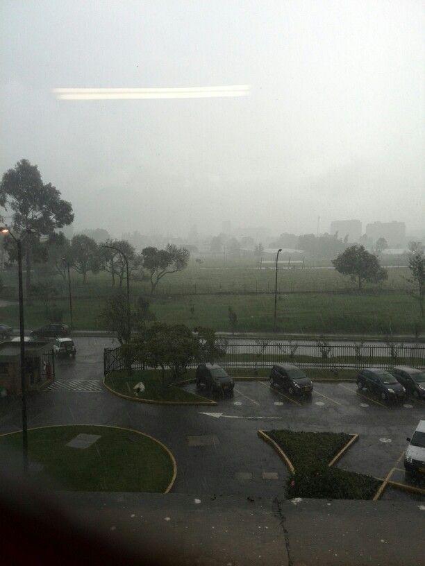 Tarde lluviosa en la Unal