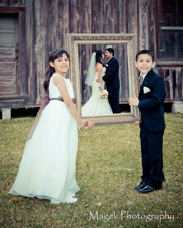Cute Couple With Their Kids! Bride And Groom Wedding