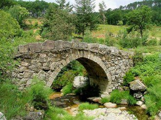 paisagens do Minho - Portugal: Beautiful Natural, Medieval Bridges, Paisagen Naturai, Ponts Bridges, The Bridge, Medieval Flair, Iberian Natural, Photo, Pont Bridges