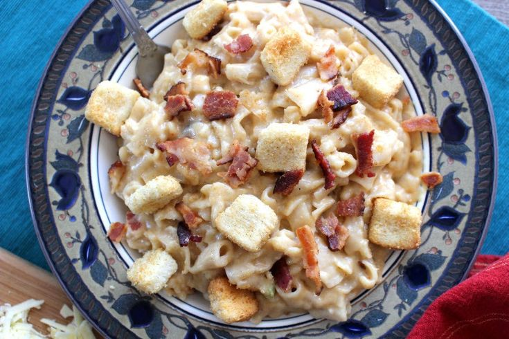Easy Jack Daniel's Bacon Macaroni and Cheese