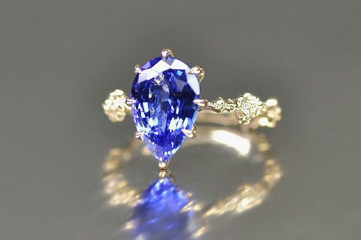 @kataoka_jewelry. Tanzanite and diamonds ring.