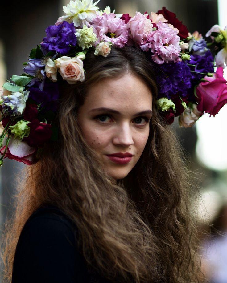 #milan #moda #mode #mfw #ss17 #fashionweek #streetstyle # #fashion #mod  #12yoz #dolcegabbana #italy #nofilter @dolcegabbana