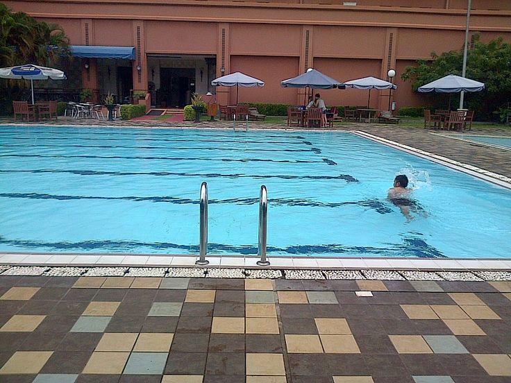 Sunlake hotel. swim with love