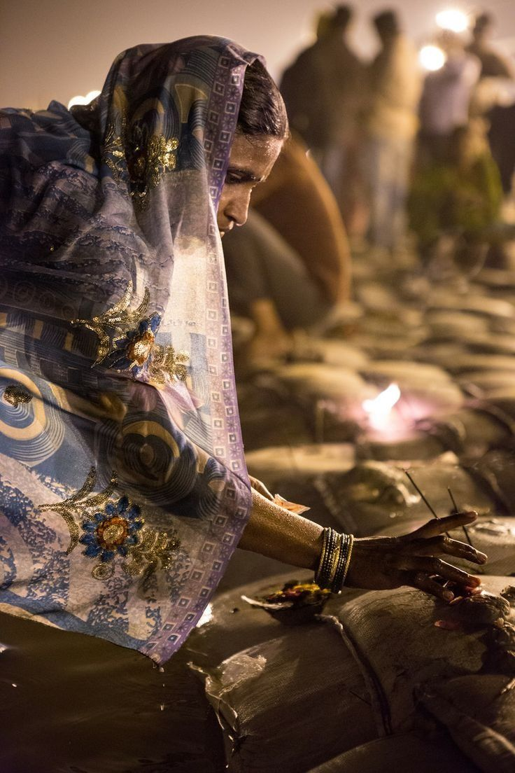 images about varanasi hindus martin o kumbh mela prayer on the ganges