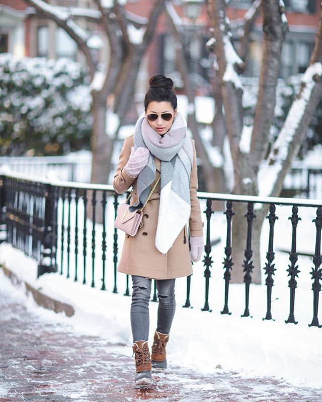 #extrapetiteblog #jeanwang Full ❄️ look from the blog - updated my post b/c my exact affordable scarf is back in stock! Love the neutral colors which pair with so much. You can find all outfit info on extrapetite.com