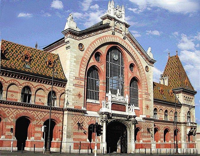 Budapesti Nagycsarnok Nemzeti Napok rendezvényei adnak otthont az évek óta 2-3 hetente megrendezendő esemény-sorozatnak. Megszervezése a Fővárosi Önkormányzat Csarnok- és Piac Igazgatóságának köszönhető.A Nagycsarnok méretében, építészetileg és jelentőségében is hatalmas. Központi Vásárcsarnok a hivatalos elnevezése, de csak Nagycsarnokként látogatják nemcsak a vásárlók, hanem a turisták is. Legmagasabb rangú protokoll látogatások ...
