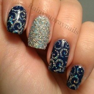 Glitter detailed nails by Kristin Day Awesome for that New Years Eve Celebration!