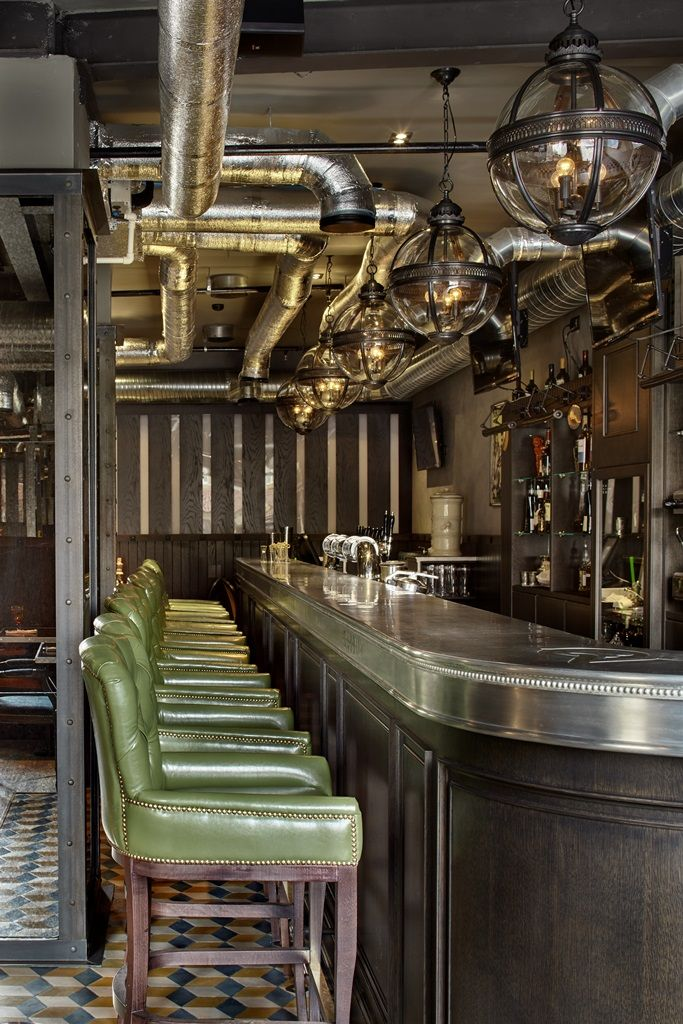 Love the pewter bar top.  QueenV Moscou, Russie , pewter countertop, bar top luxe