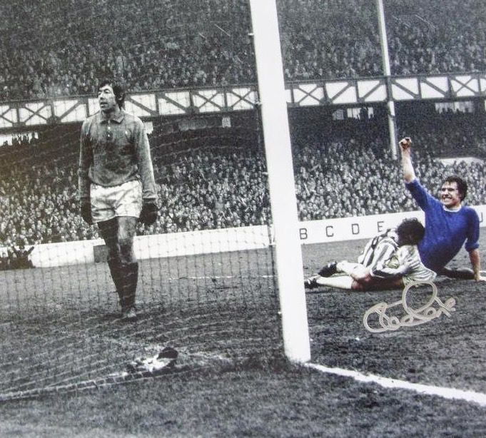 Everton 2 Stoke City 0 in March 1971 at Goodison Park. Joe Royle opens the scoring #Div1