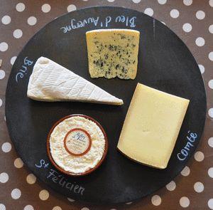 plateau fromage avec plateau tournant ikea +peinture ardoise